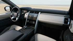 LAND ROVER DISCOVERY 2021 (13)