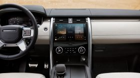 LAND ROVER DISCOVERY 2021 (15)