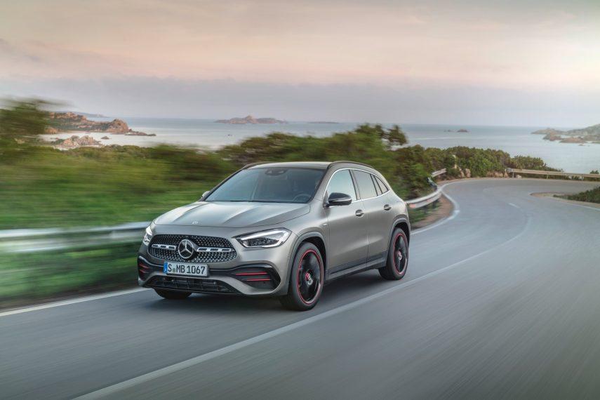 Mercedes-Benz GLA 2020: ahora más SUV y menos turismo
