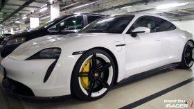 Museo Porsche 12 Garage Taycan