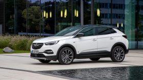 Opel Grandland X hybrid 2020 (1)