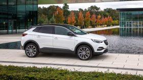 Opel Grandland X hybrid 2020 (2)
