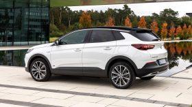 Opel Grandland X hybrid 2020 (3)