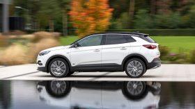 Opel Grandland X hybrid 2020 (5)