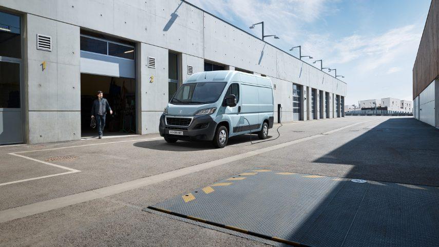 El Peugeot Boxer se transforma en e-Boxer