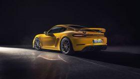 Porsche 718 Cayman GT4 2019 4