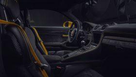 Porsche 718 Cayman GT4 2019 5