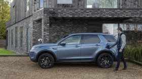Range Rover Discovery Sport PHEV 2020 01