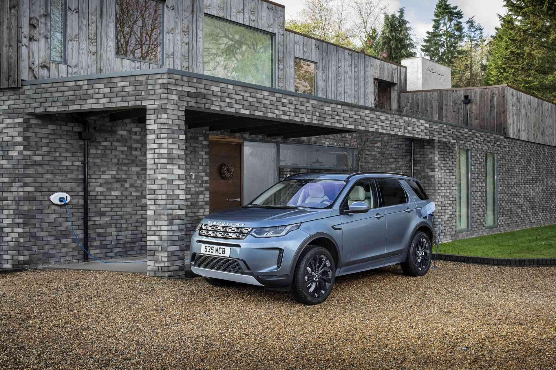 Land Rover lanza en España los Discovery Sport y Range Rover Evoque PHEV