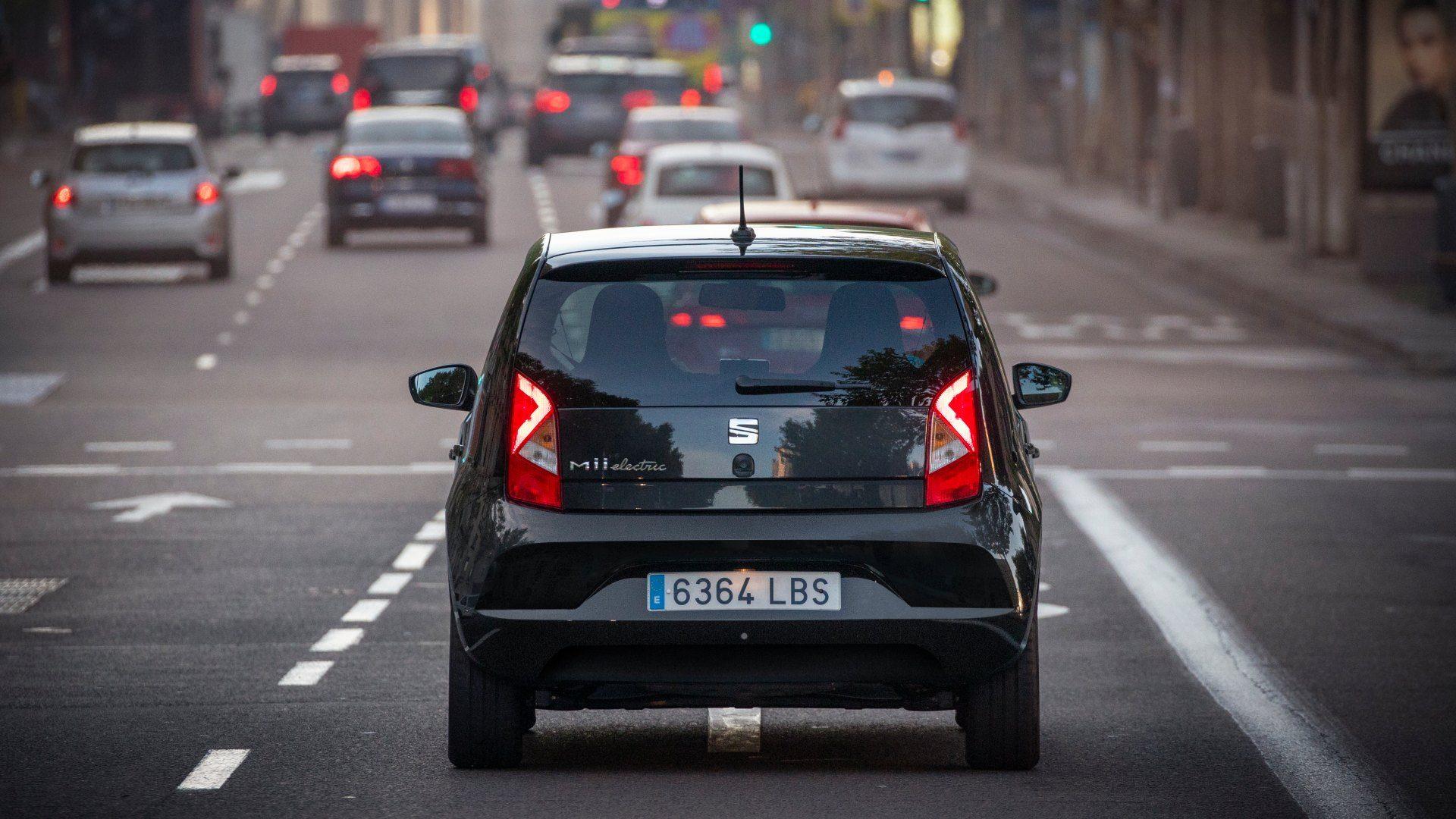 Los coches grandes podrían pagar más por aparcar en zona SER/ORA