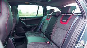 Skoda Octavia Combi RS 2019 interior 04
