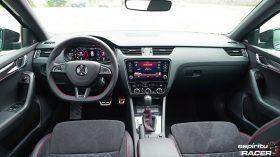 Skoda Octavia Combi RS 2019 interior 05