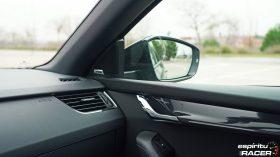 Skoda Octavia Combi RS 2019 interior 21