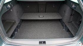 Skoda Octavia Combi RS 2019 interior 25