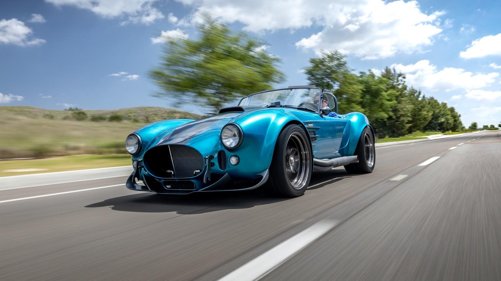 Superformance MKIII-R, un Cobra muy especial que se vende sin motor