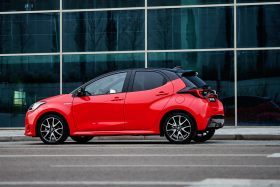 toyota yaris electric hybrid style premiere edition 2