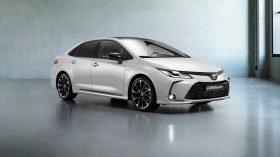 toyota corolla hybrid sedan gr sport (2)