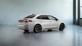 toyota corolla hybrid sedan gr sport (5)
