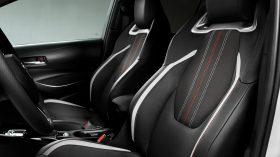 toyota corolla hybrid sedan gr sport (9)