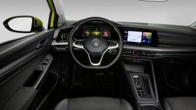 Volkswagen Golf VIII 18