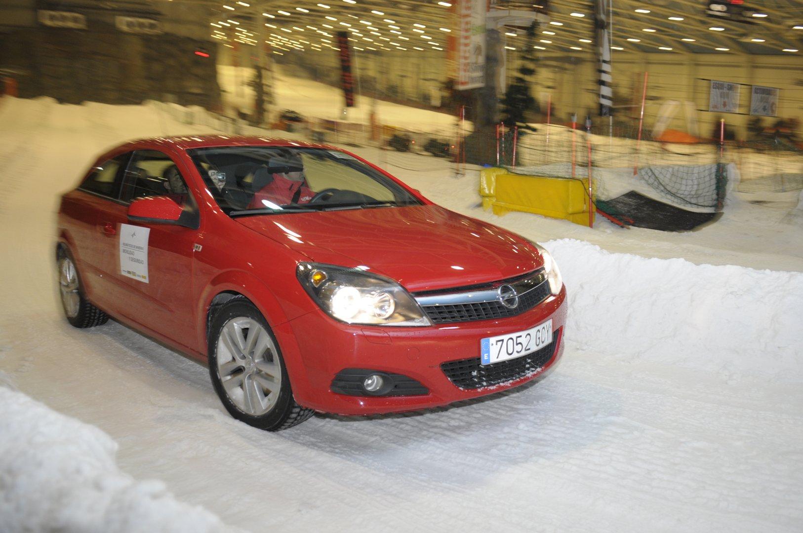 Opel Astra GTC en Xanadú