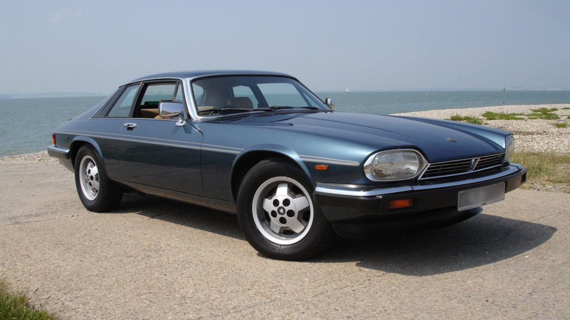 2020 Jaguar Xj Coupe Exterior and Interior