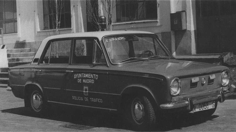 SEAT 124 Lujo FA