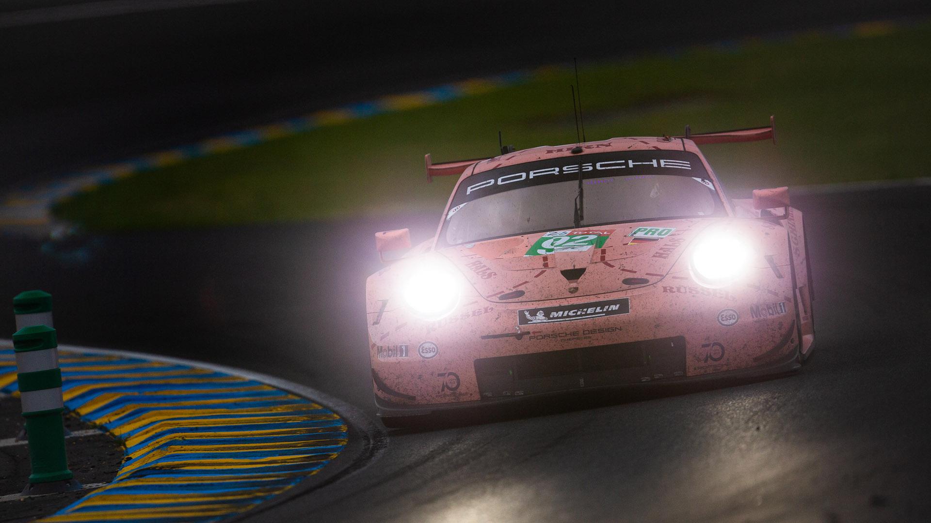 #92 PORSCHE GT TEAM / DEU / Porsche 911 RSR 24 Hours Of Le Mans Circuit De La Sarthe Le Mans France