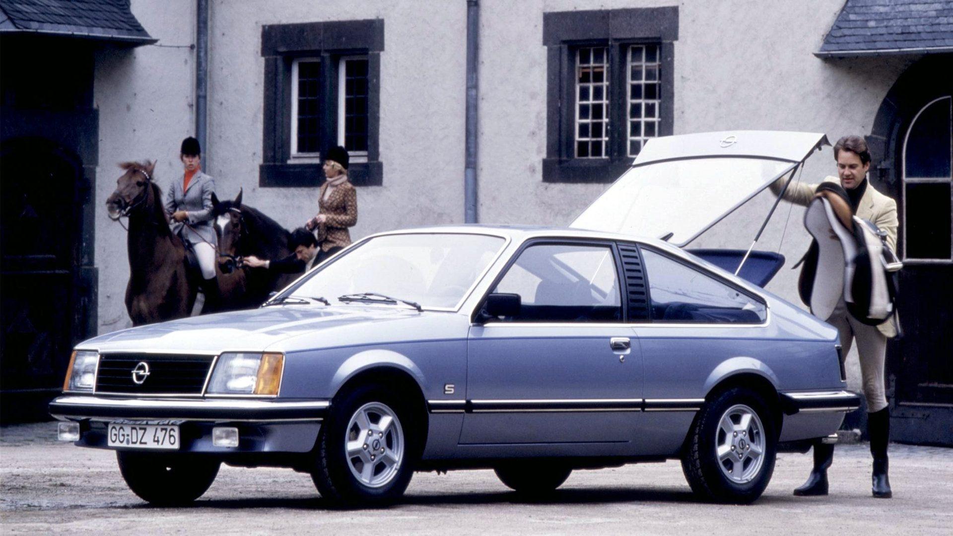 Coche del día: Opel Monza 3.0