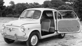 SEAT 600D