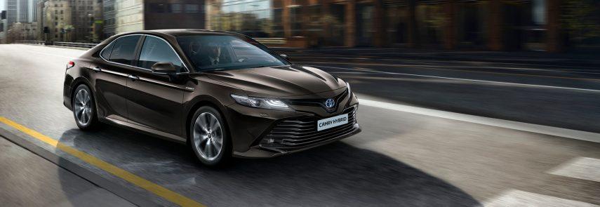 El Toyota Camry Hybrid tomará el relevo del Avensis en Europa