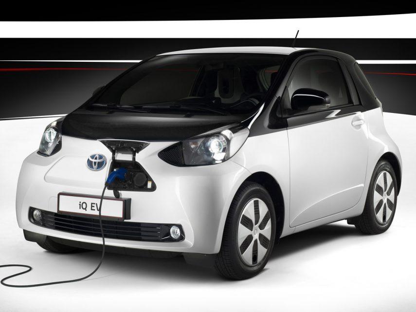 Coche del día: Toyota iQ EV