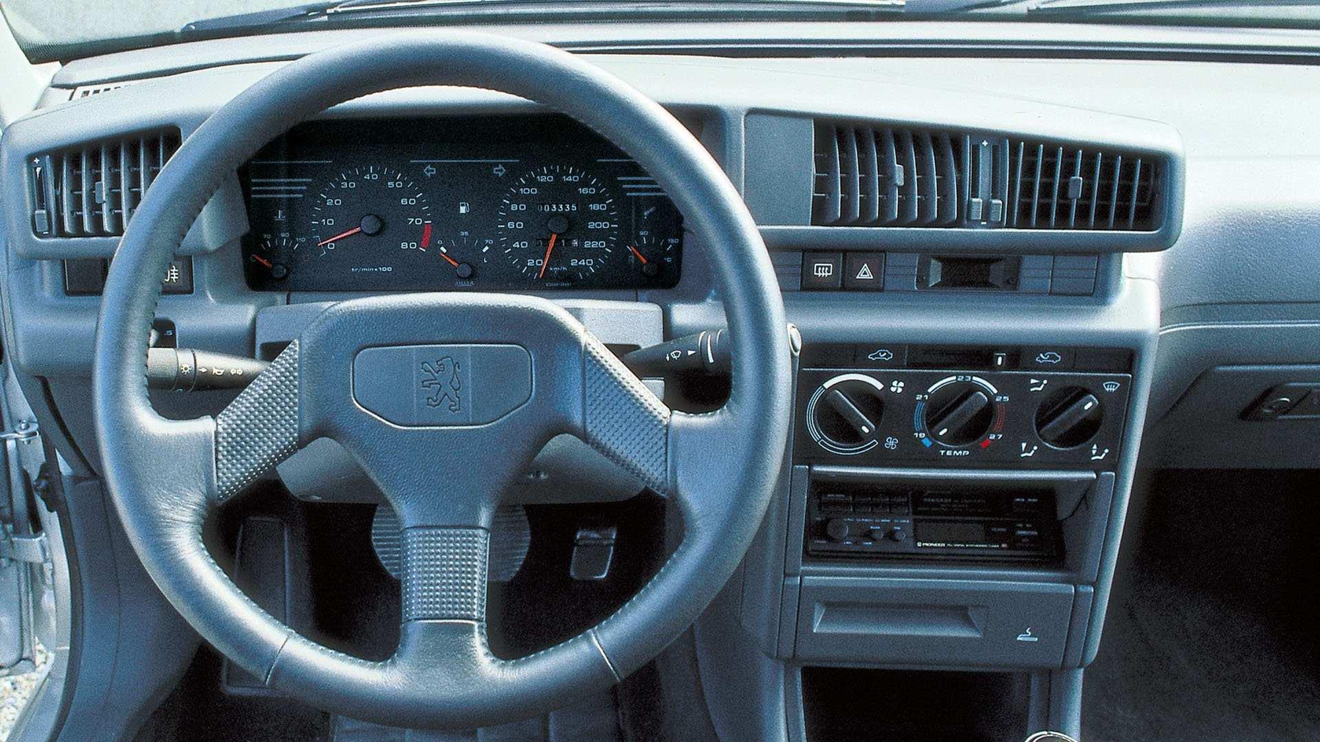 Peugeot 405 Mi16 3