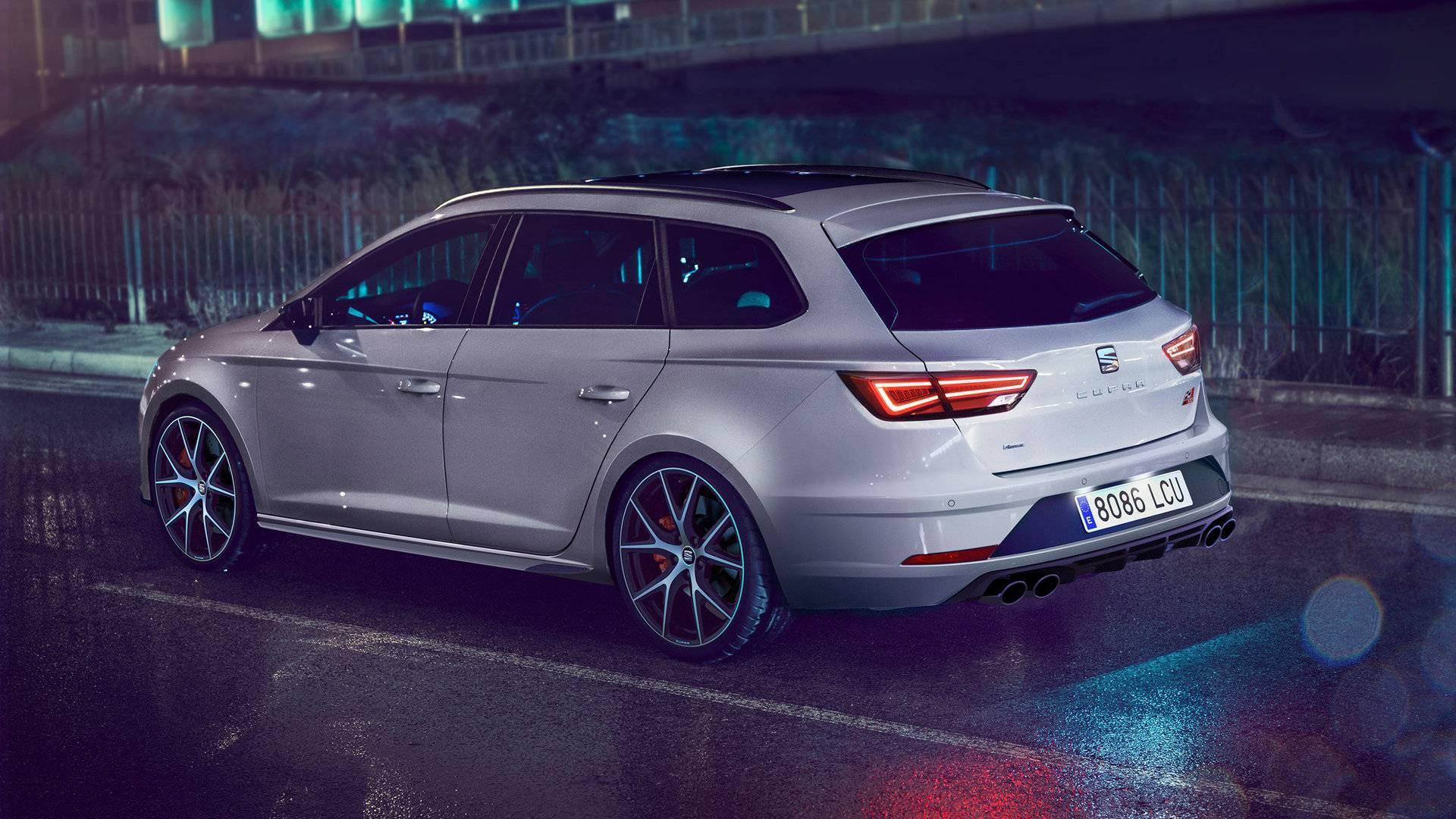 SEAT revela el León ST Cupra Carbon Edition, solo para Reino Unido