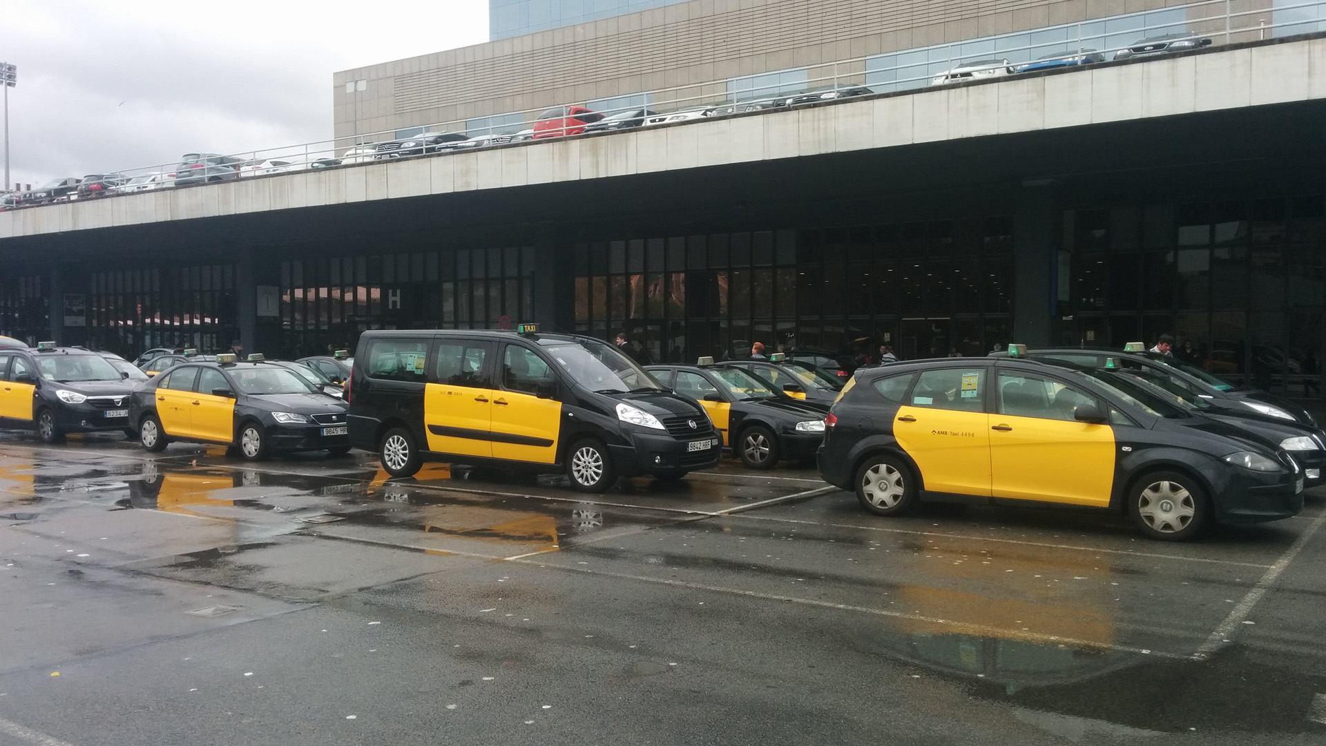 Huelga de taxis: los VTC ganan