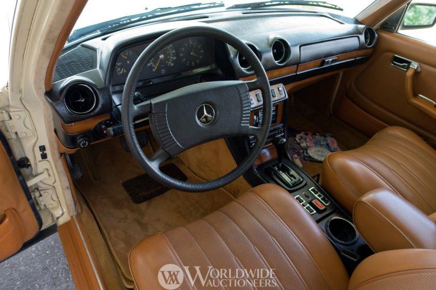 Mercedes Benz 300 TD John Lennon 2