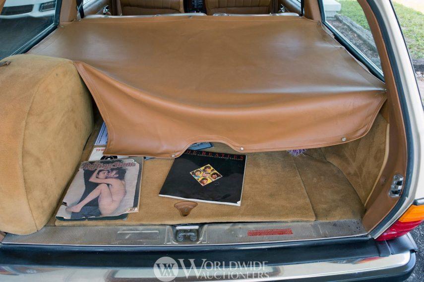 Mercedes Benz 300 TD John Lennon 6