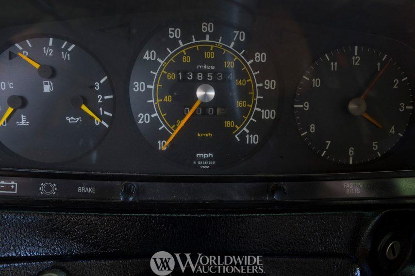 Mercedes Benz 300 TD John Lennon 7