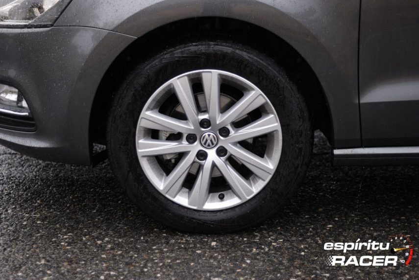 Volkswagen Polo Advance 12
