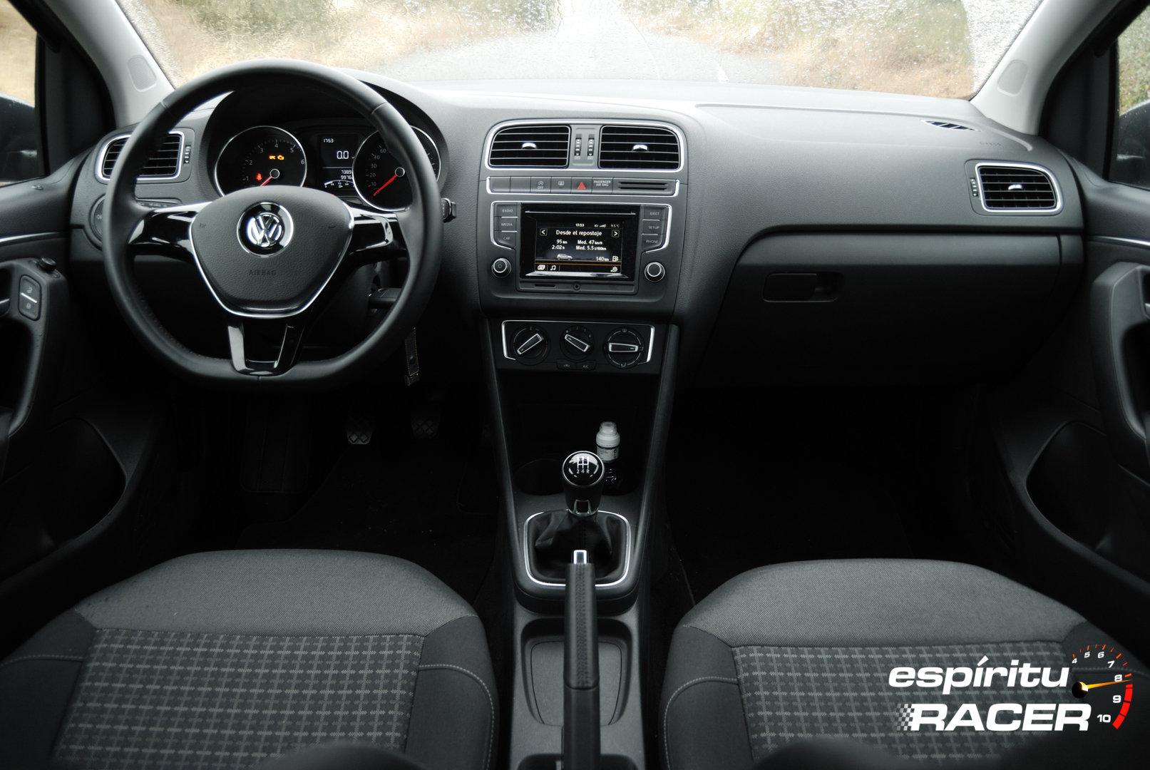 Volkswagen Polo Advance 23