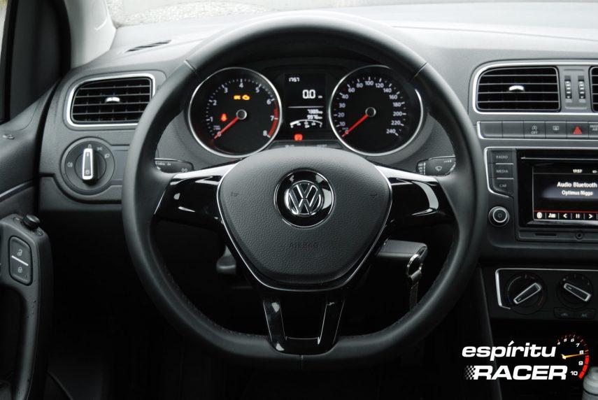 Volkswagen Polo Advance 28