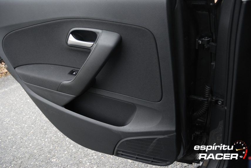 Volkswagen Polo Advance 31