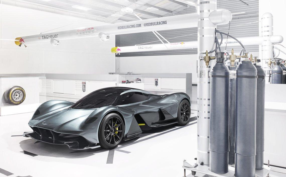 Aston Martin y Red Bull presentan el AM-RB 001 Valkyrie