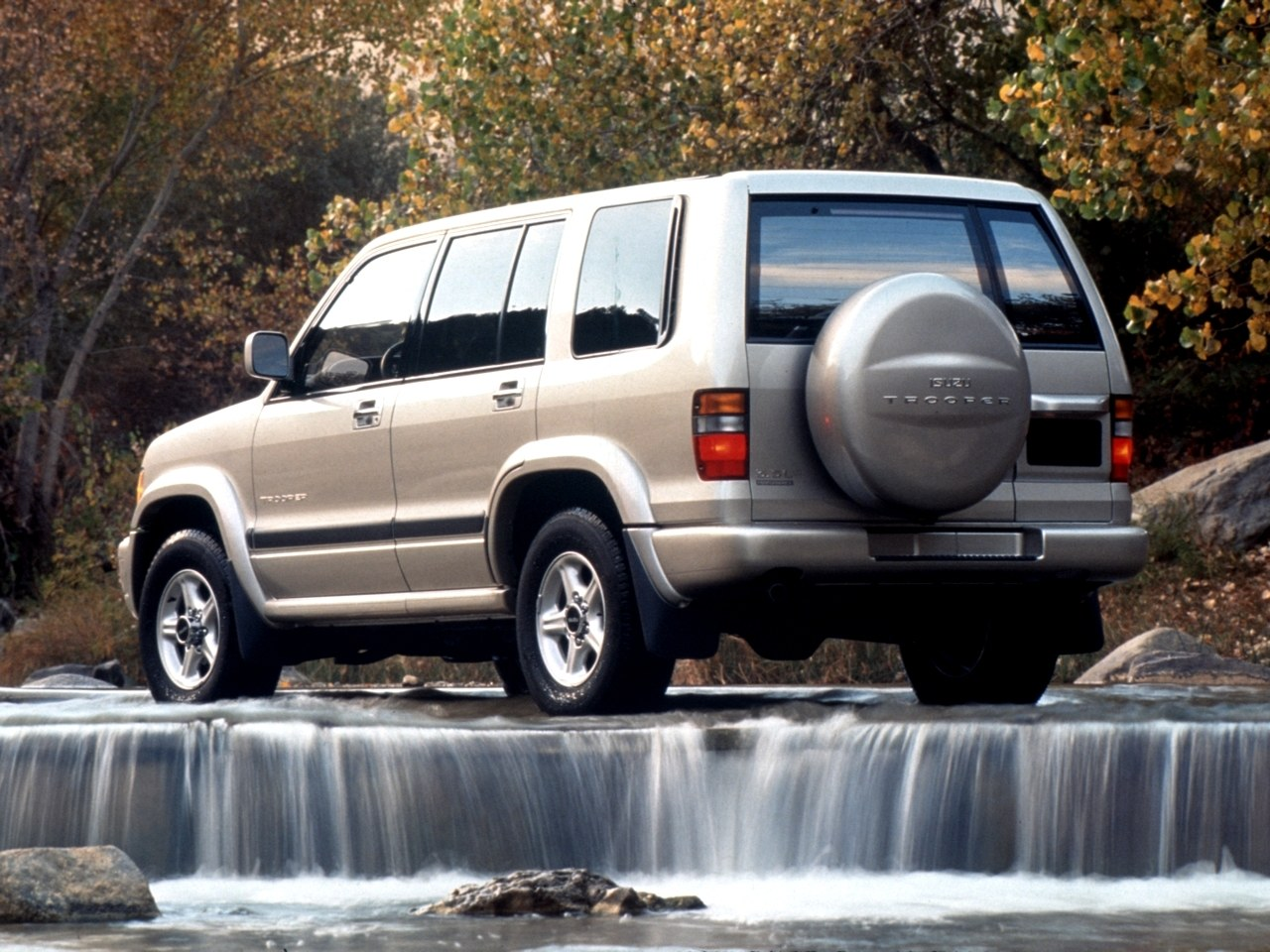 Isuzu Trooper Largo FL