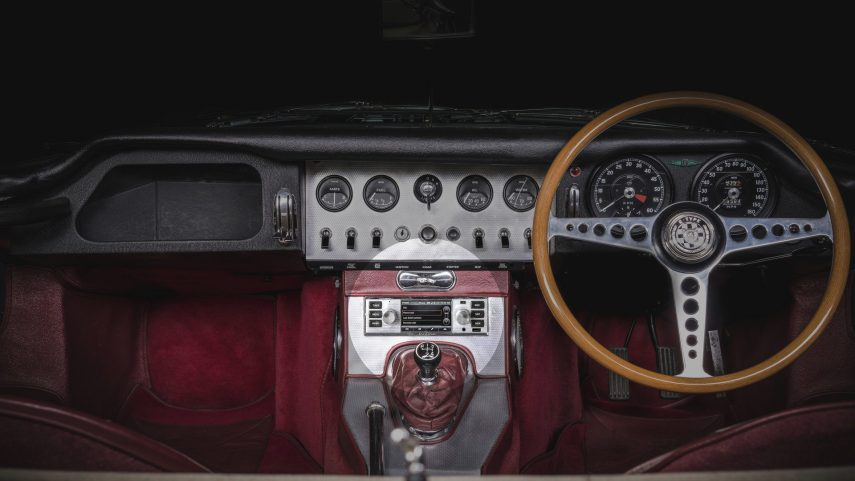 Jaguar Land Rover ofrece infoentretenimiento para sus clásicos