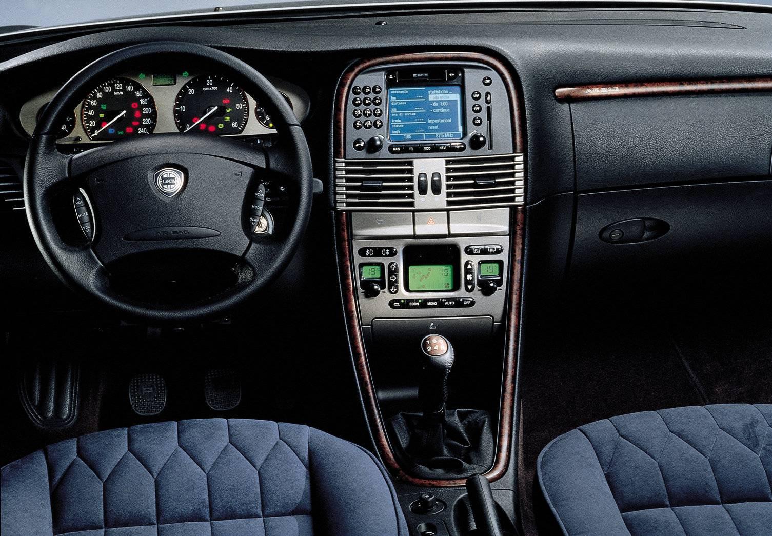 Lancia Lybra 24 Jtd 3