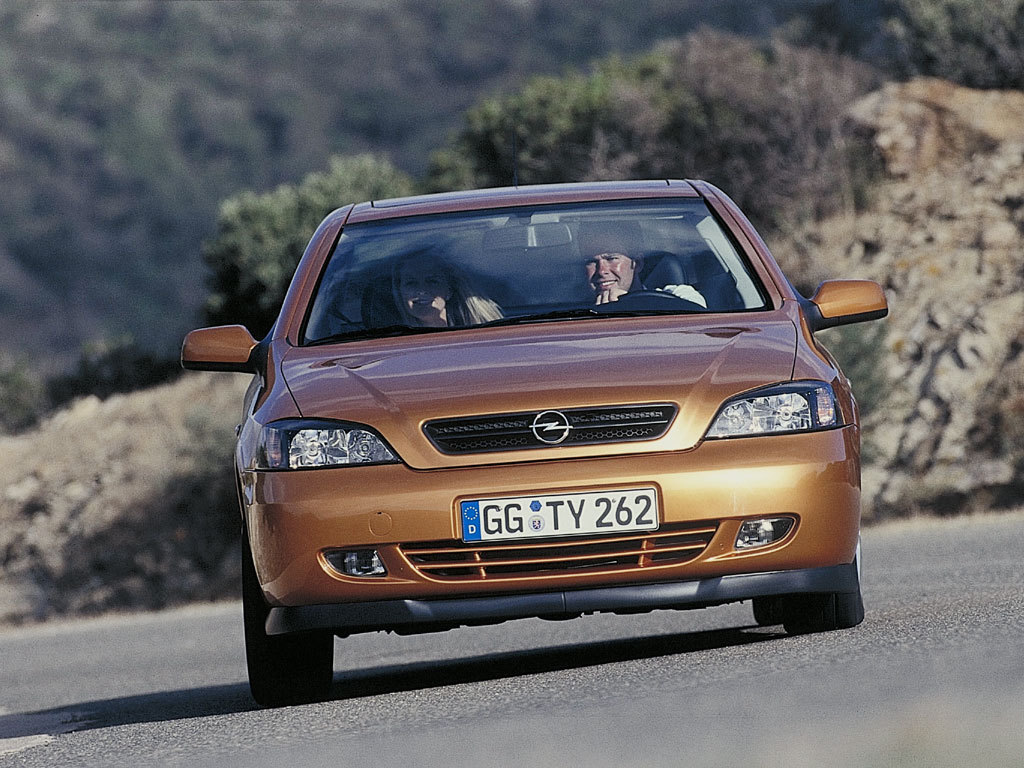 Opel Astra Coupe 1