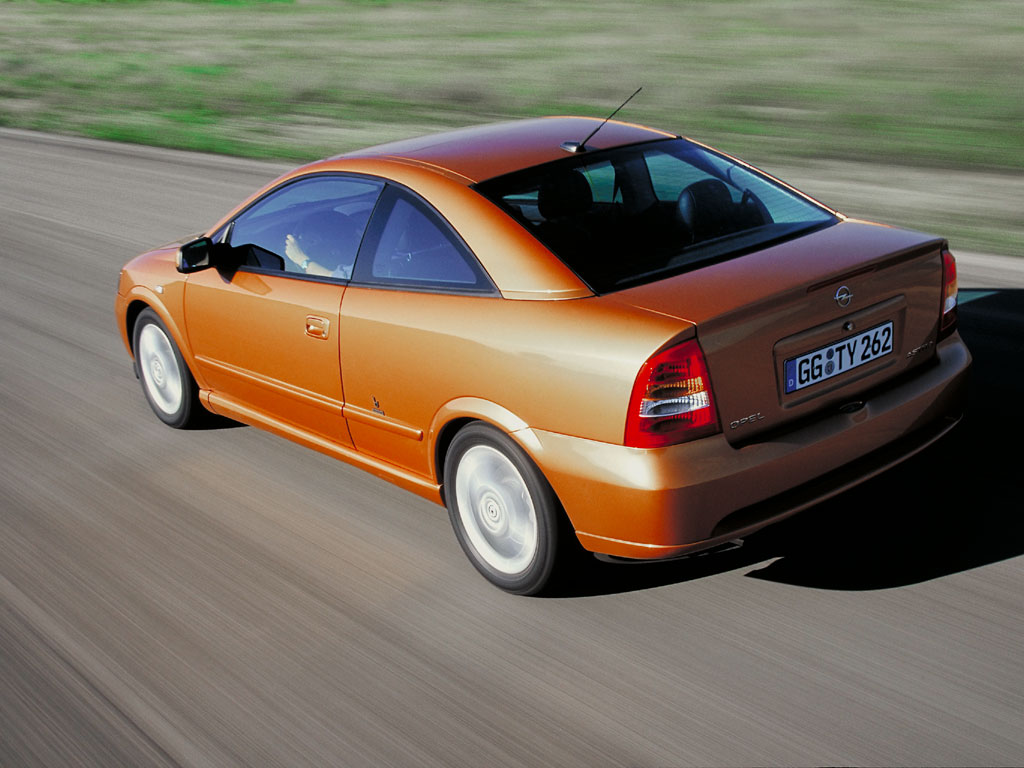 Opel Astra Coupe 3