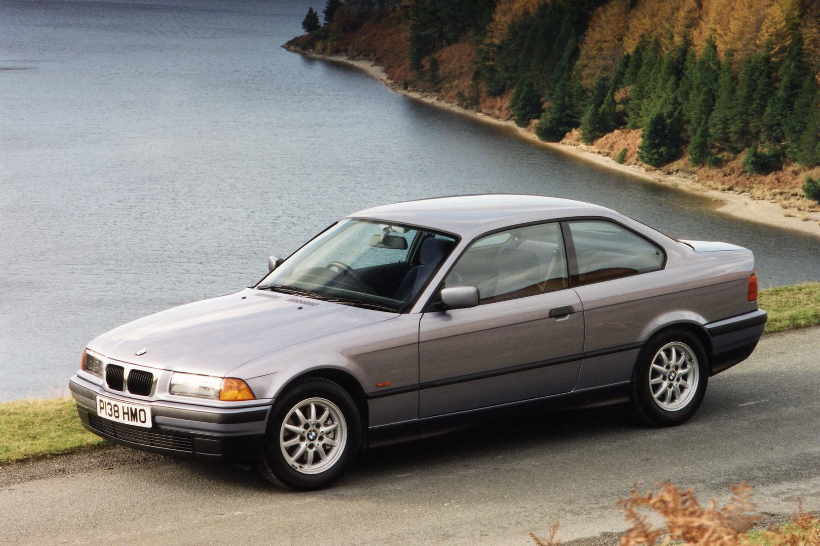 BMW 318is Coupe E36 2