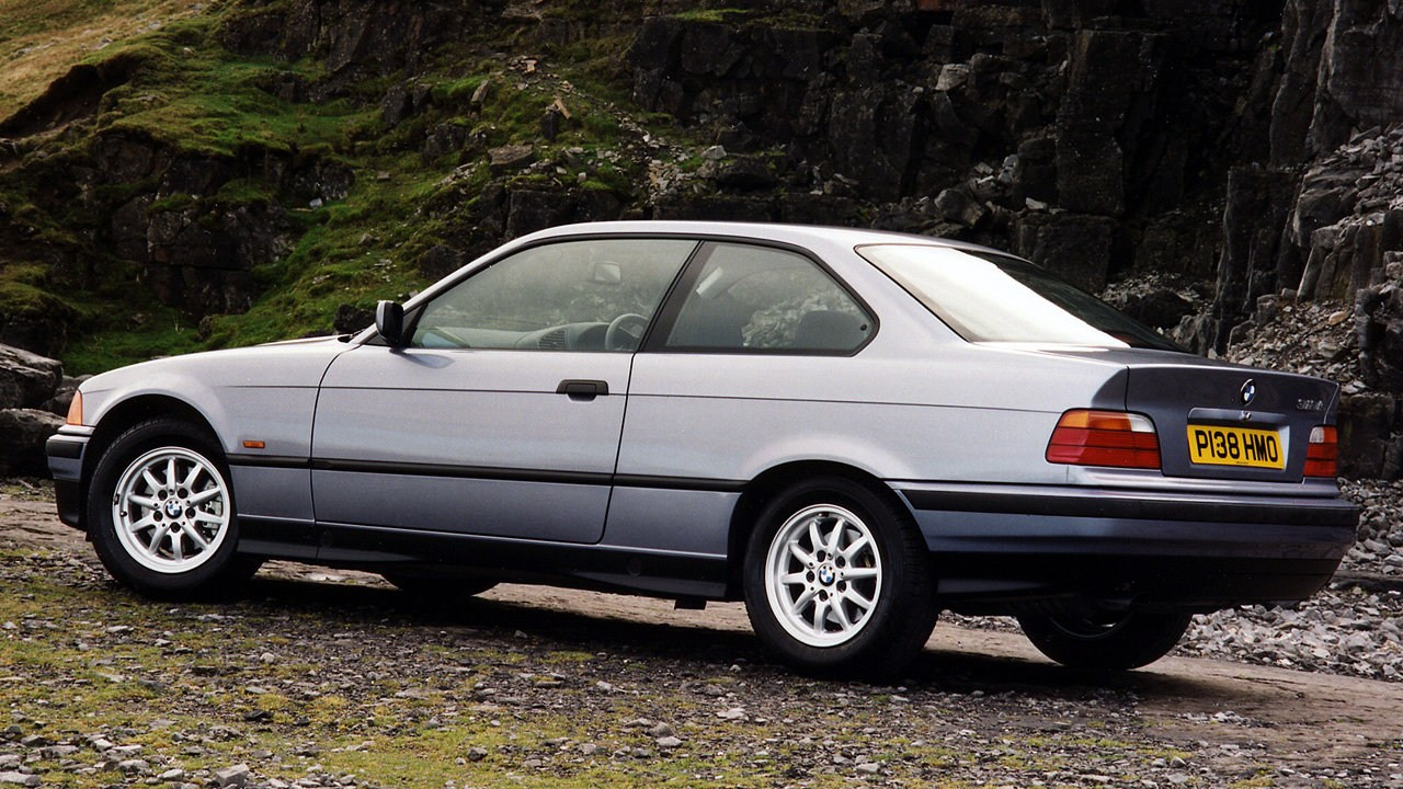 BMW 318is Coupe E36 3
